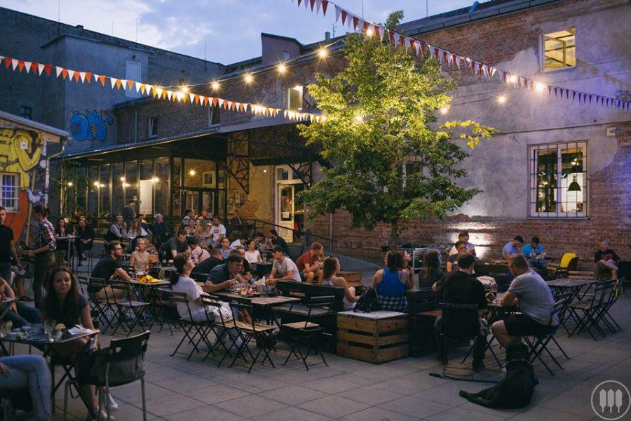Tabačka Košice: kam zájsť, ak máte chuť na skvelé jedlo, umenie a trochu alternatívy